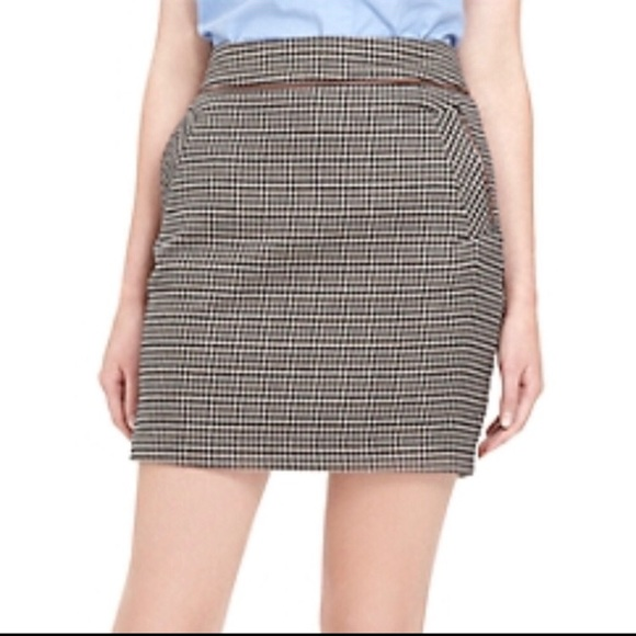 96d8b7e383 Tommy Hilfiger Houndstooth Mini Skirt Size 2